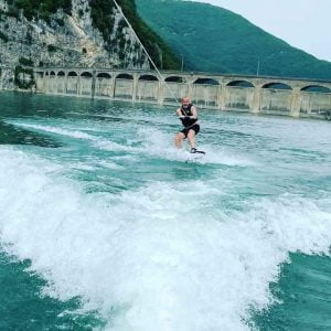 Read more about the article How To Wakeboard For Beginners