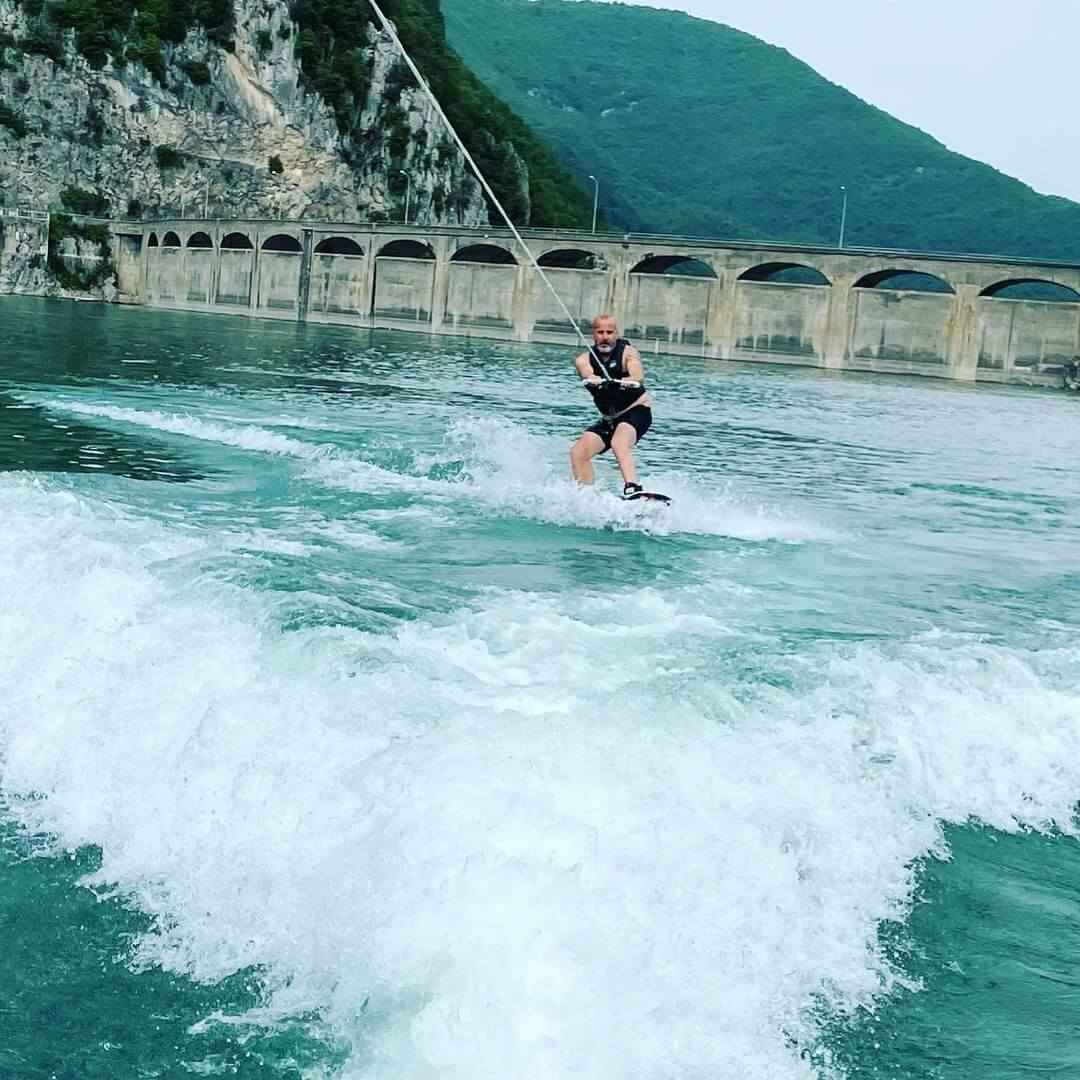 You are currently viewing How To Wakeboard For Beginners