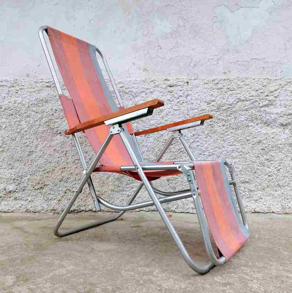 You are currently viewing How To Remove Mildew From Beach And Camping Chairs